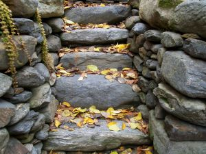Retainer Wall with In-built Steps, Fieldstone